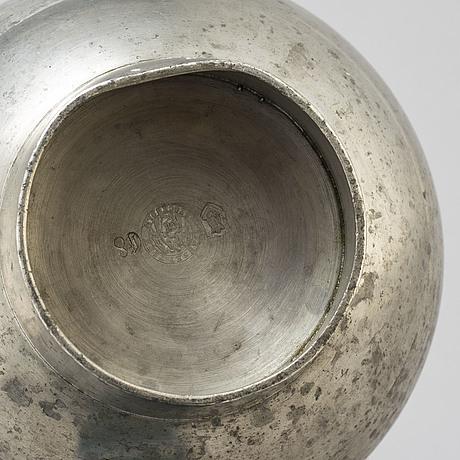 A pewter vase by björn trägårdh for firma svenskt tenn 1931.