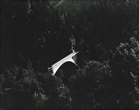 Lennart olson, gelatin silver print signed on verso.