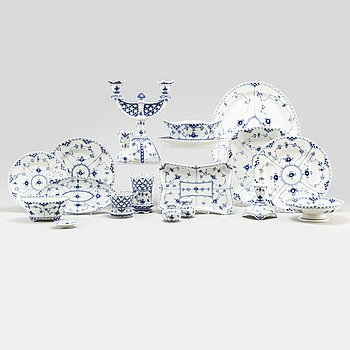 A seventy one pieces 'Musselmalet' porcelain dinner service ny Royal Copenhagen.