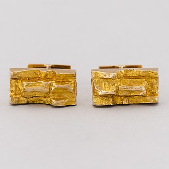 A PAIR OF BJÖRN WECKSTRÖM CUFFLINKS, 14K gold. Lapponia 1968.