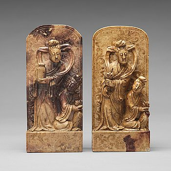 BOKSTÖD, ett par, soapstone. Qingdynastin (1664-1912).