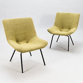 CARL GUSTAF HIORT AF ORNÄS, a pair of 'Leaf' easychairs, manufacturer Puunveisto Oy - Träsnideri Ab, mid-20th century.