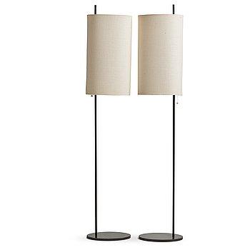 """370. Arne Jacobsen, golvlampor, ett par """"Royal"""",  Louis Poulsen, Danmark sannolikt 1960-tal."""
