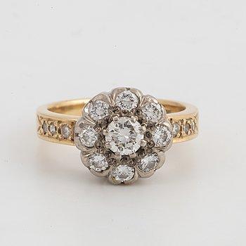 CARMOSÉRING, 18K guld med briljantslipade diamanter 1,46 ct.