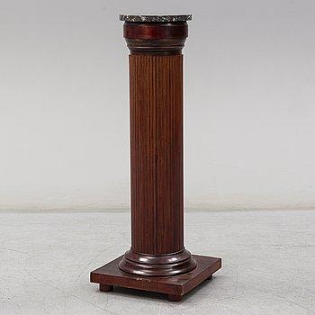 A 20th century column.