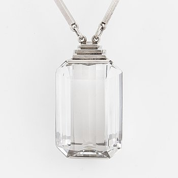 A Wiwen Nilsson necklace with rock crystal.