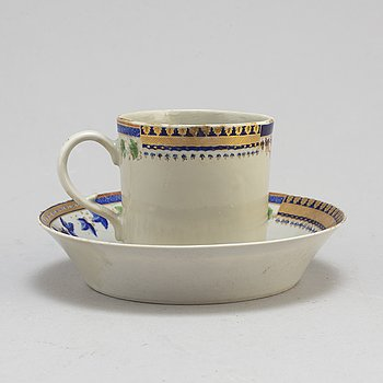 An Export 'sample pattern' cup with saucer, Qing dynasty, Qianlong (1736-95).