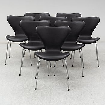 ARNE JACOBSEN, eight 'Series 7' chairs from Fritz Hansen, Denmark.