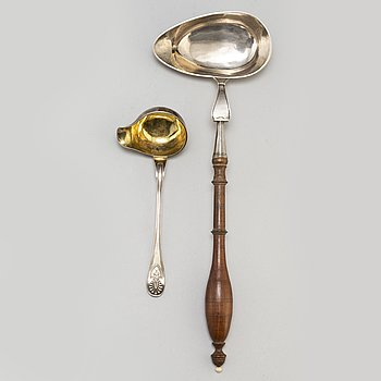 A silver soupspoon and silver saucespoon, among others N.L. Kjellberg, Kalmar 1815.