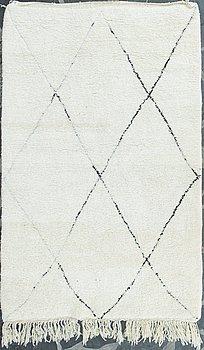 CARPET, Beni Ourain, Marocco, late 20th century, 157x250 cm.