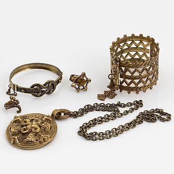 "KALEVALA KORU, ""Vikingasmycken"", 5 delar, brons."