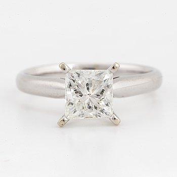 1,53 ct solitaire princess-cut diamond ring.
