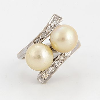 Cultured pearl and eight-cut diamond cross over ring.