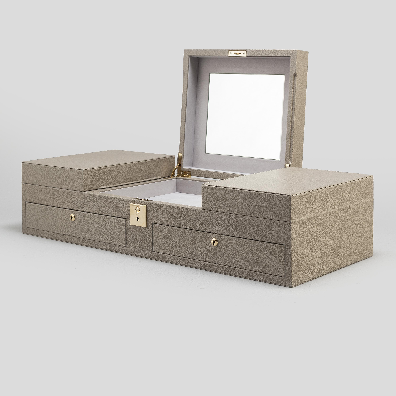 ae044036a1fe A Smythson  Grosvenor  Table Top Jewellery Box. - Bukowskis
