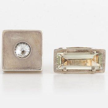 RINGAR, Per Waller, två stycken, sterlingsilver med kvarts och vit sten.