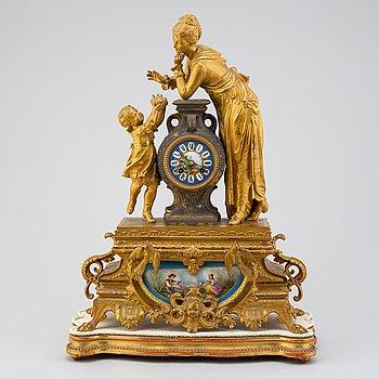 BORDSPENDYL, Louis XVI-stil, Japy, Paris, Frankrike, 1800-talets slut.