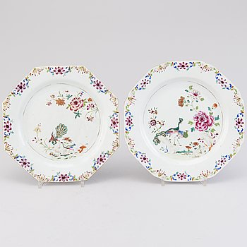 TALLRIKAR, 1 par, porslin, Kina, Qianlong 1736-1795.