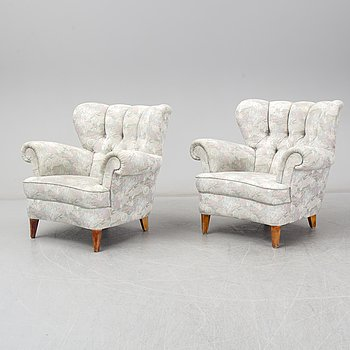 A pair of 1940-/50´s easy chairs.