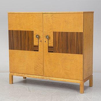 A 1920/30´s art déco cabinet.
