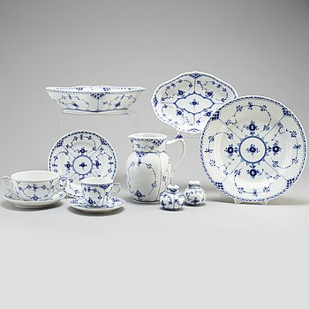 A Royal Copenhagen 'Musselmalet' part dinner service, 70 pieces.