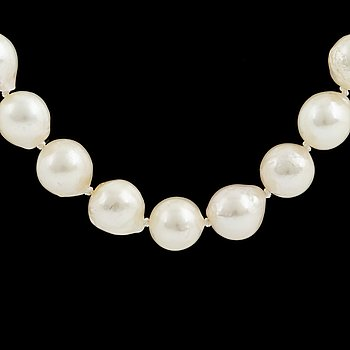 A cultured pearl necklace, goldclasp with sapphire and diamonds.