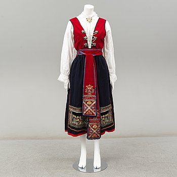 A traditional Swedish dress from Värend.
