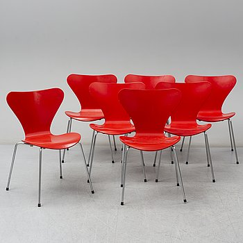 ARNE JACOBSEN, a set of 7 'Seven' chairs, Fritz Hansen 1988.