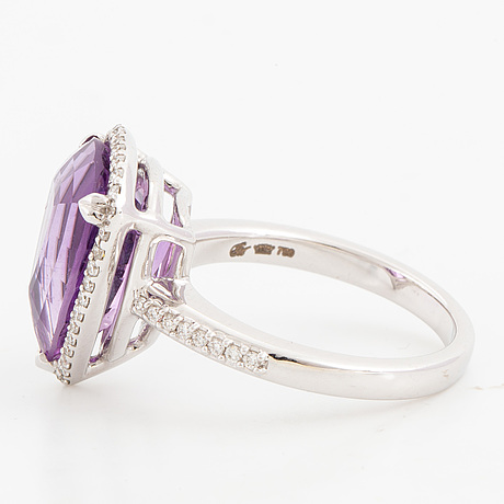 Pear shaped faceted amethyst and brilliant cut diamond cocktail ring