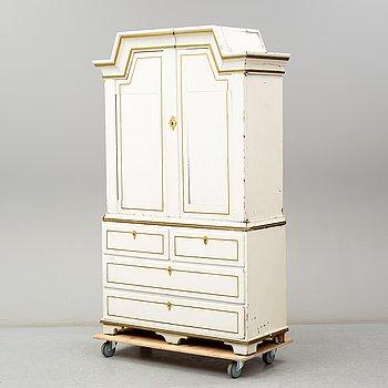 A Swedish late 18th / early 19th century cupboard.