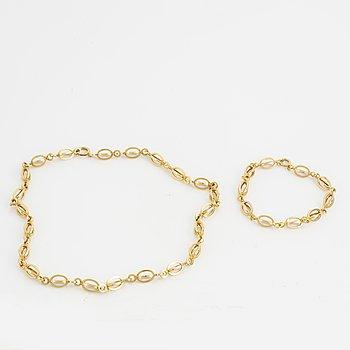 18K gold bracelet and necklace.