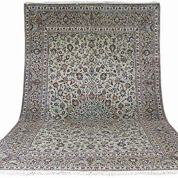 A carpet, Kashan, ca 425 x 287 cm.