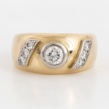 Brilliant-cut diamond ring by Ewert Gustavsson.
