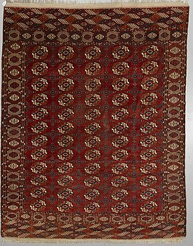 ANTIQUE TEKKE TURKMEN, ca 293 x 235 cm.