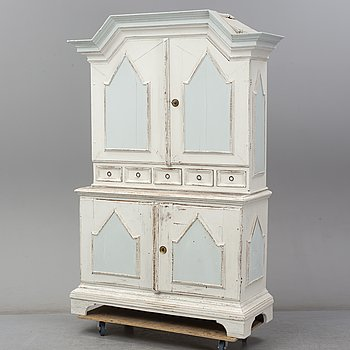A painted pine Baroque cabinet, 18th/19th Century.