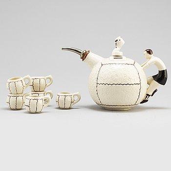 KANNA MED MUGGAR, 7 delar, keramik, Tyskland, 1900-talets andra hälft.
