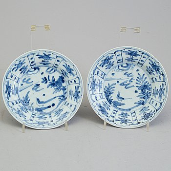 Two blue and white porcelain dishes, Ming dynasty, Wanli (1573-1613).