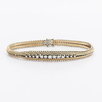 BRACELET 18K gold w single and brilliant-cut diamonds approx 0,65 ct in total.