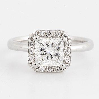 RING, med prinsesslipad diamant 1,50 ct, certifikat IGI.