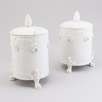 A PAIR OF GERMAN URNS, porcelain, Berlin middle of the 19th century.