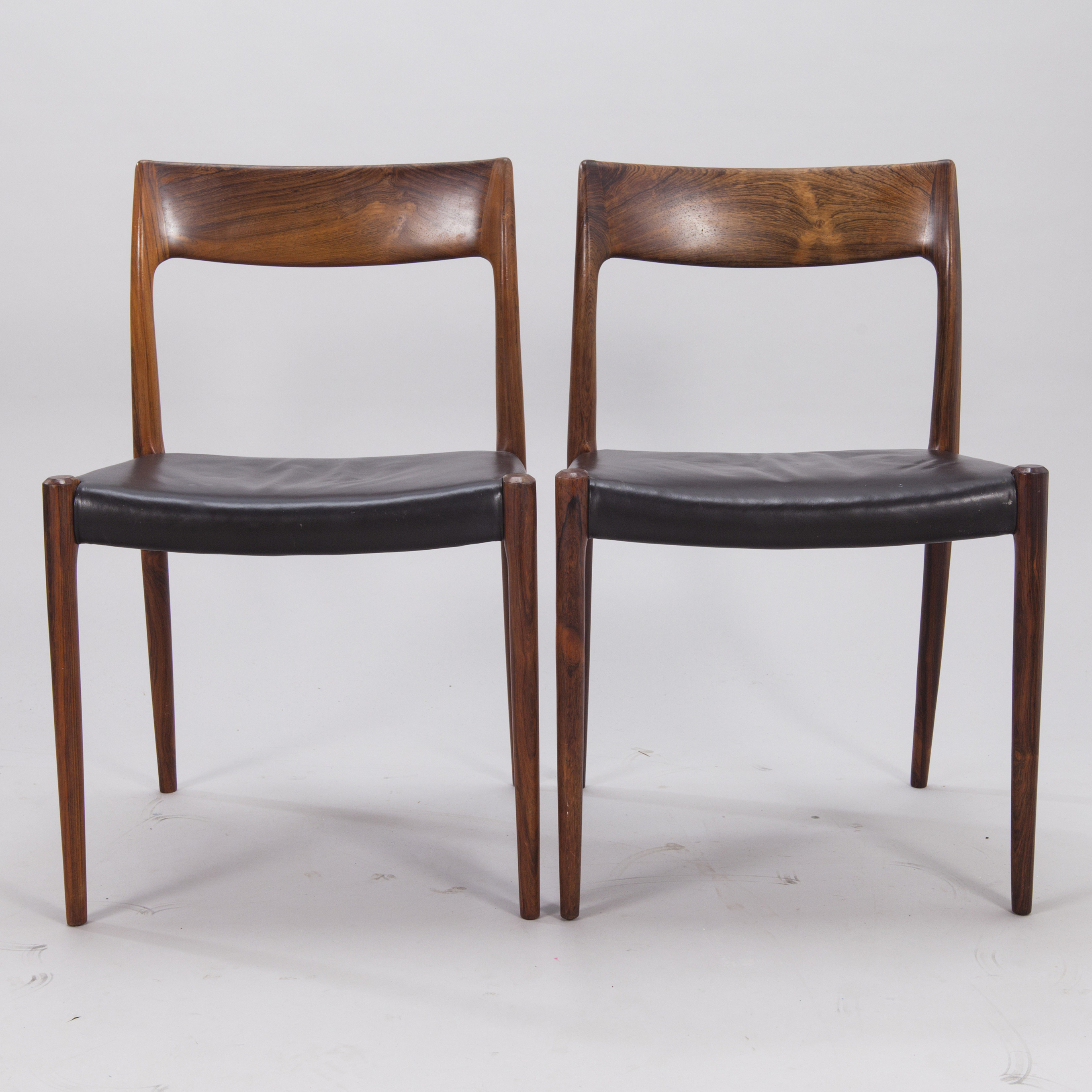 Frisk A SET OF 6 CHAIRS, model 77, by Niels O. Møller, J.L. Møllers EY-72