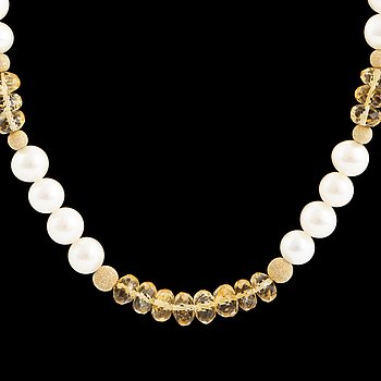Cultured pearl and faceted citrine bead necklace.