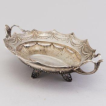 A silver basket, mark of Ferdinand Timper, Helsinki 1903.