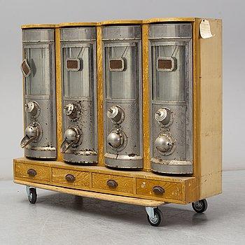 "KAFFEAUTOMAT, ""Kind´s Kaffebehållare"", Ernst Wendt, Stockholm, 1900-talets första hälft."