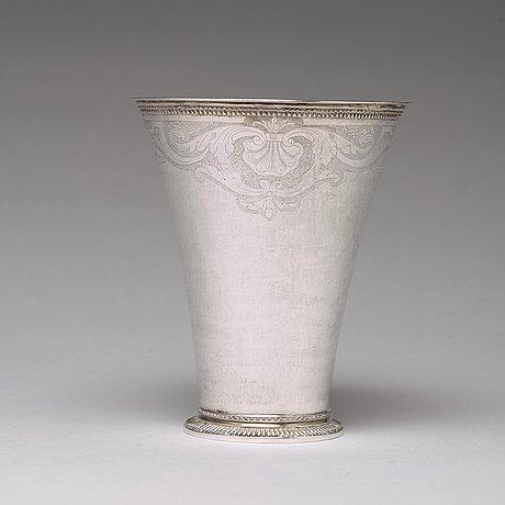 A swedish 18th century parcel-gilt silver beaker, mark of axel johan limnell, växjö 1757.