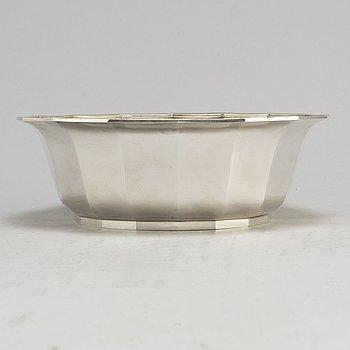 A sterling silver bowl by Wiwen Nilsson, Lund 1972.