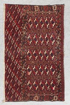 SEMI-ANTIQUE TEKKE/YOMOUD CHUVAL, Ca 64 x 112 cm.
