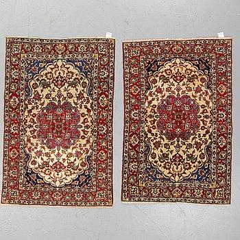 MATTOR, old ett par, Isfahan, ca 149 - 153 x 101,5 - 102,5 cm.