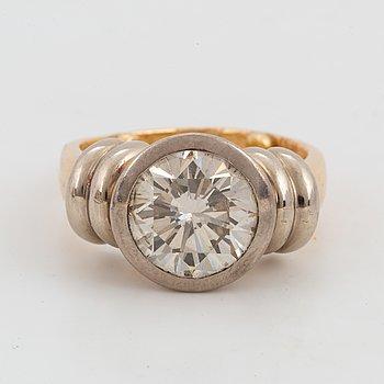 RING, med briljantslipad diamant 3,11 ct.