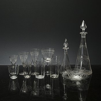 An early 20th century 56+25 pcs glass service.