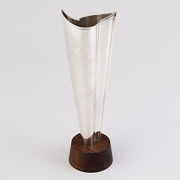 "TAPIO WIRKKALA, vas, silver, ""Flamma"" Hopeakeskus, Tavastehus 1977."